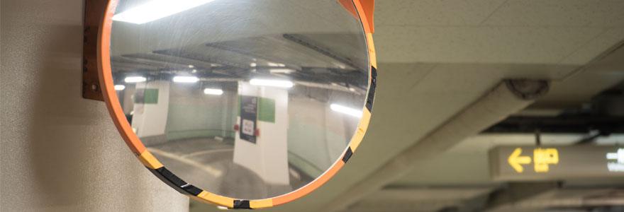 miroirs de securite dans les parkings