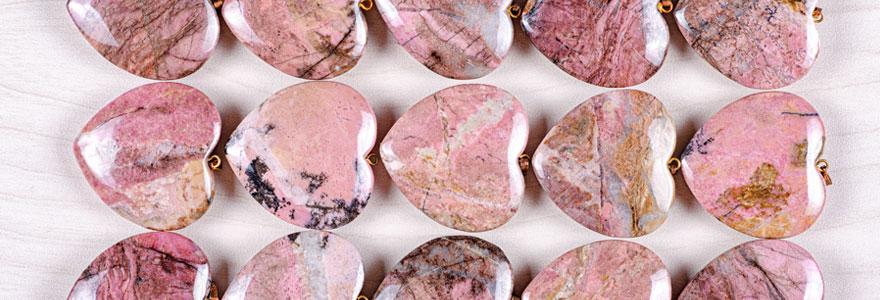 Optez pour des bijoux en rhodonite